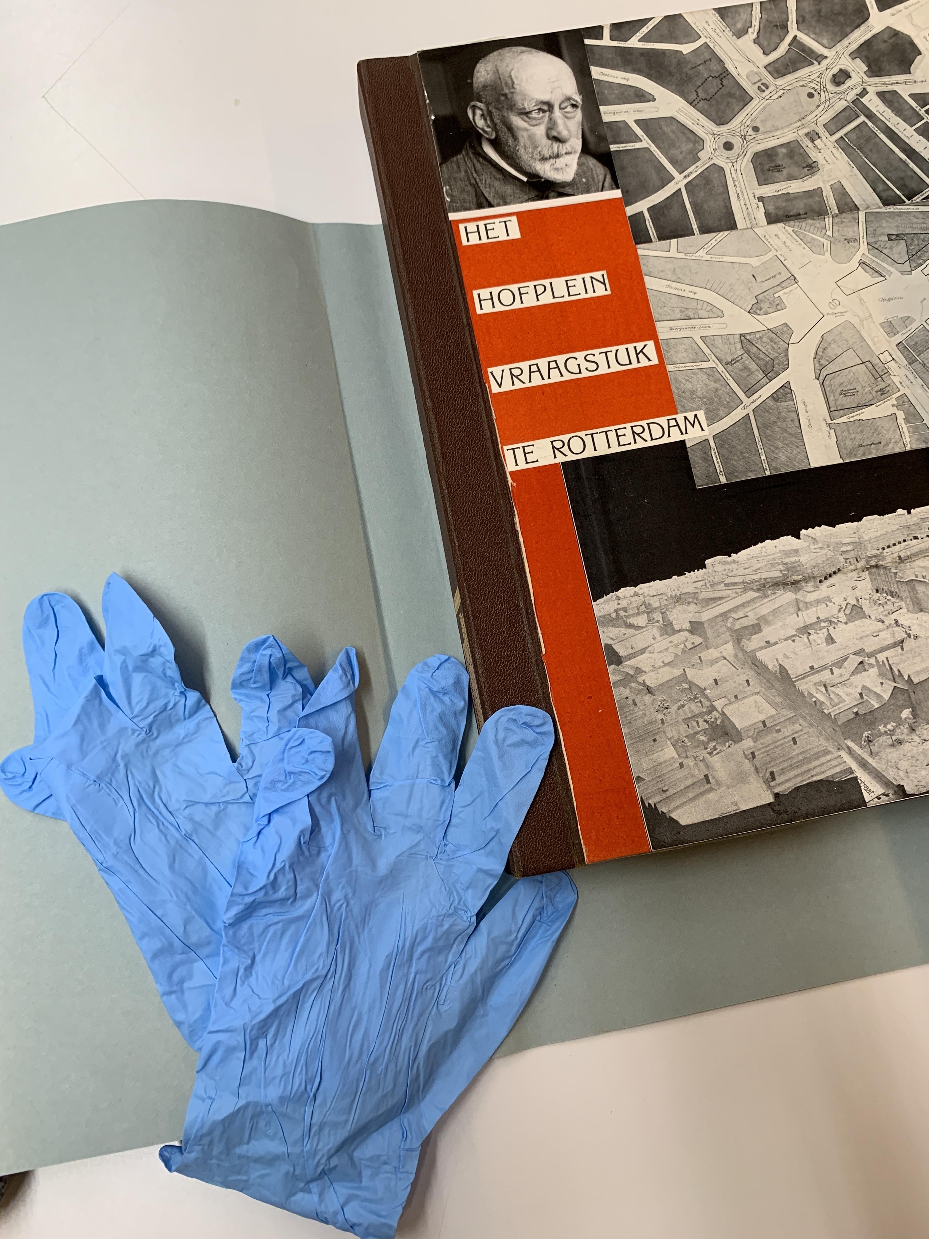 Handschoentjes aan voor Willem Kromhout.jpeg